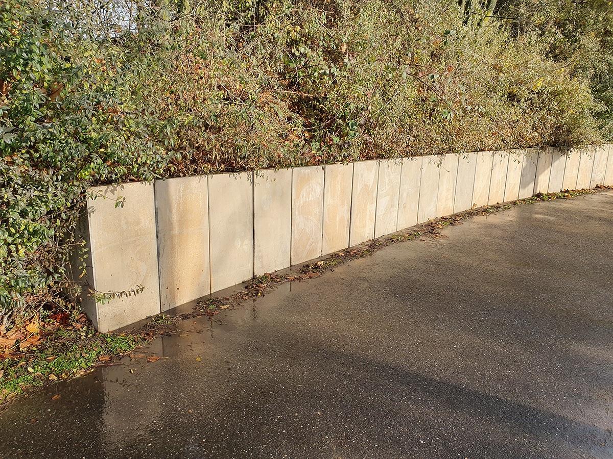 Graffiti von Beton entfernt