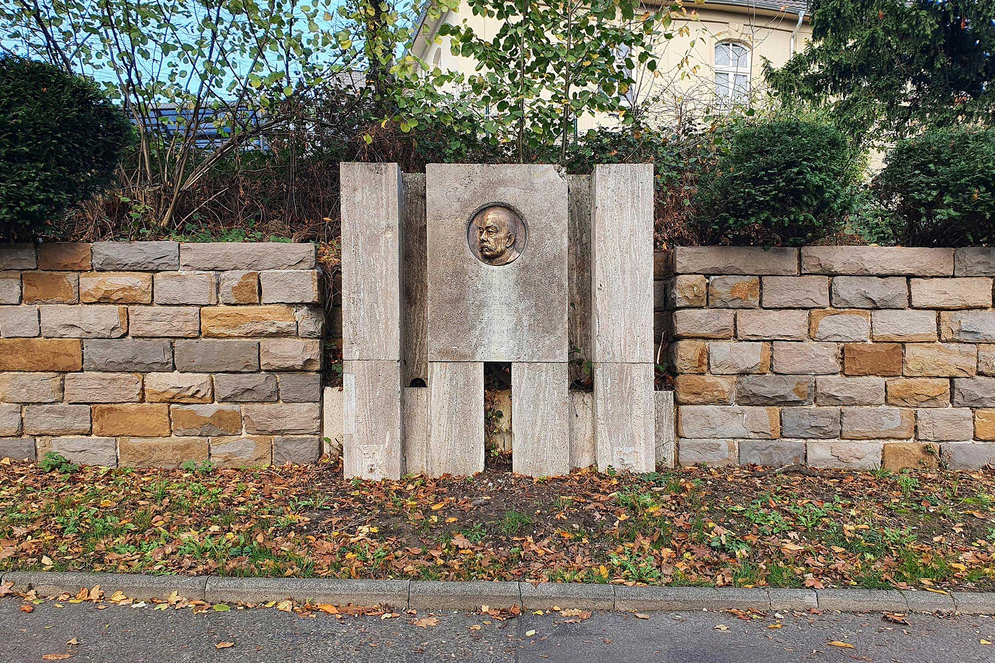 Graffitientfernung an einem Denkmal - nachher