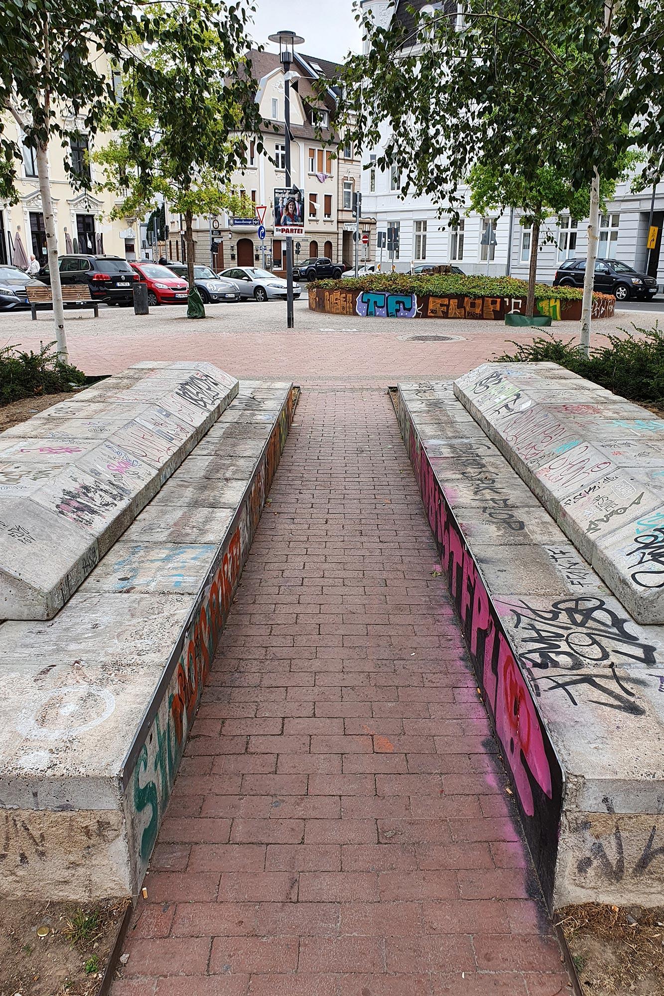Graffiti entfernen lassen - vorher