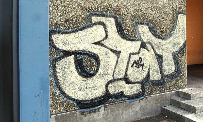 Graffiti-Entfernung - Schritt 1