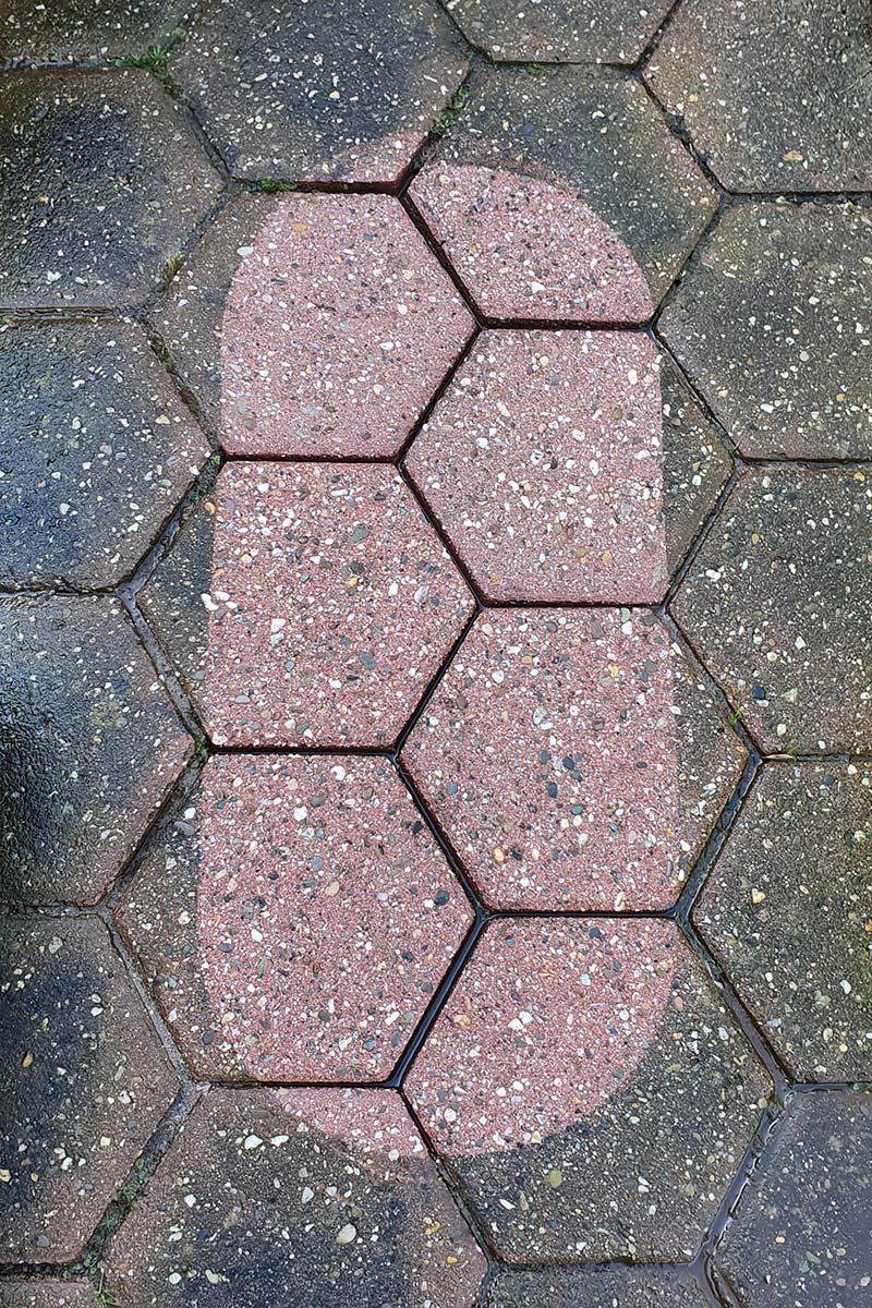 Industrieboden reinigen lassen: Probefläche