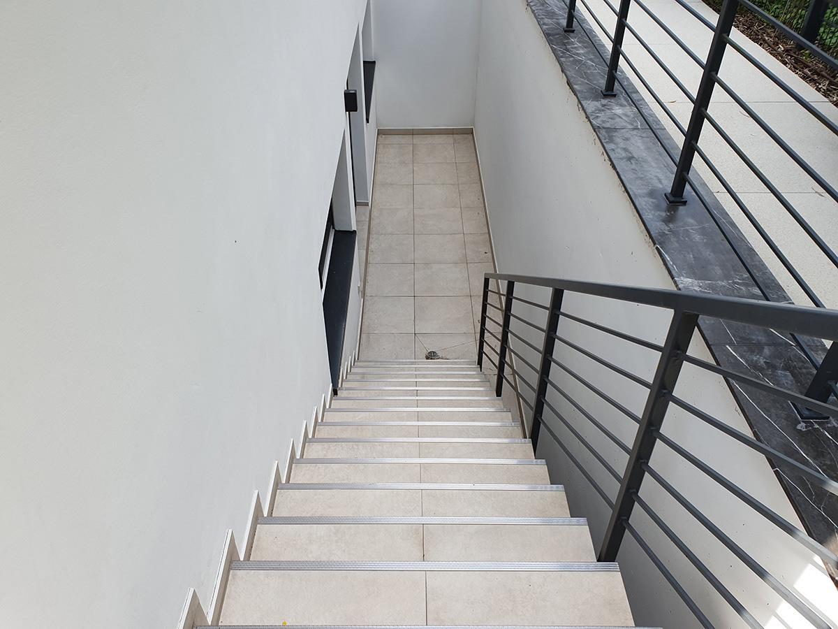 Treppe nach der Steinreinigung